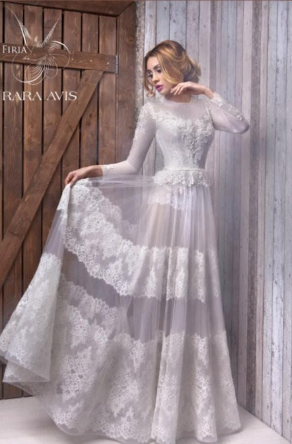 Свадебное полупрозрачное платье длинное