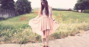 платье с открытыми ногами и