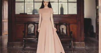 платье в пол с короткими рукавами