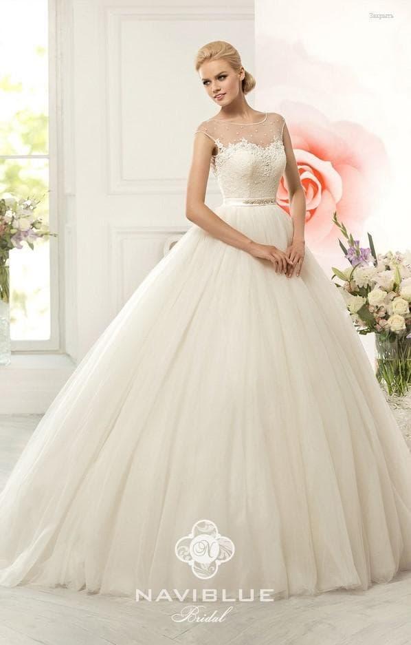 Платье на свадьбу пышное айвори