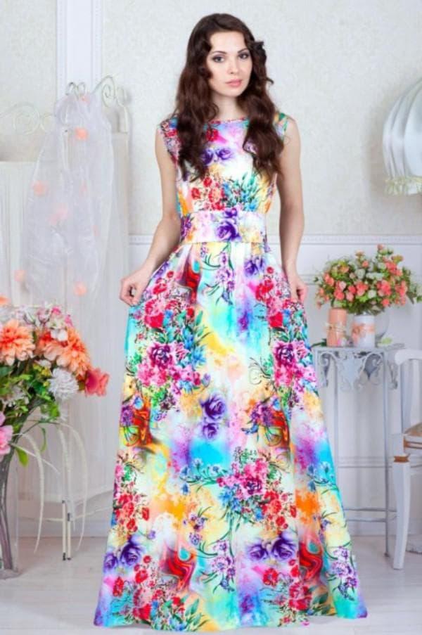 Длинное платье из штапеля в цветок