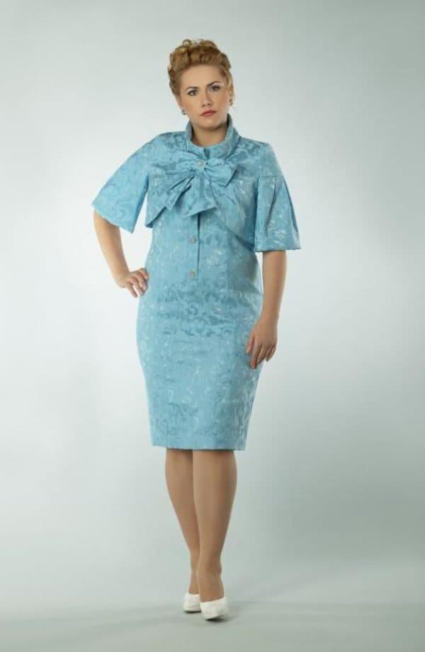 Нарядный костюм для женщины в возрасте 50
