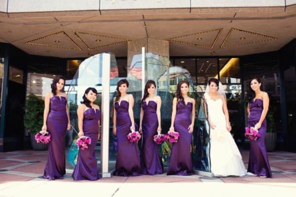 темно-фиолетовый в платьях для подруг невест