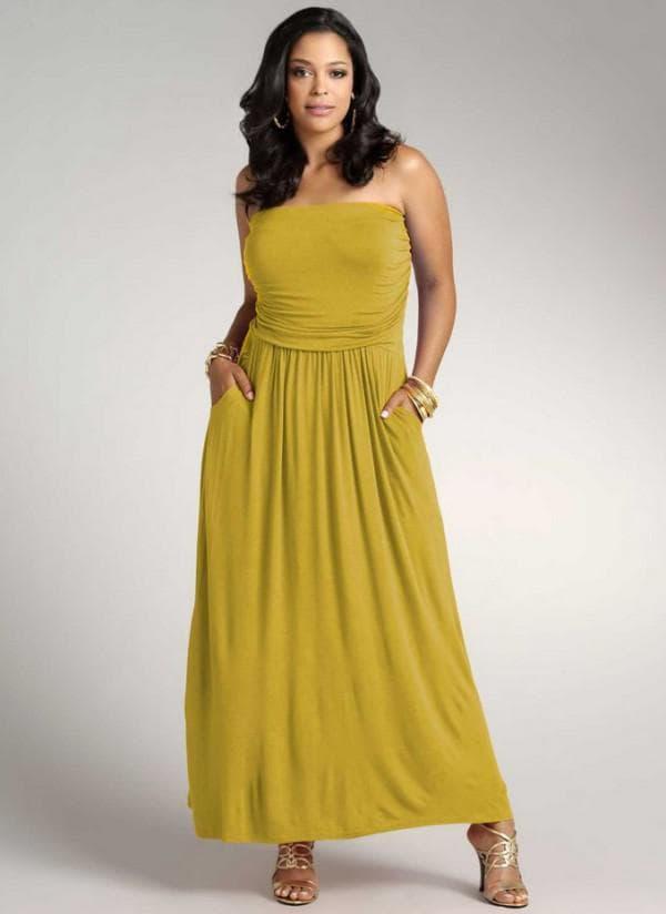 Горчичное платье в пол для зрелых женщин