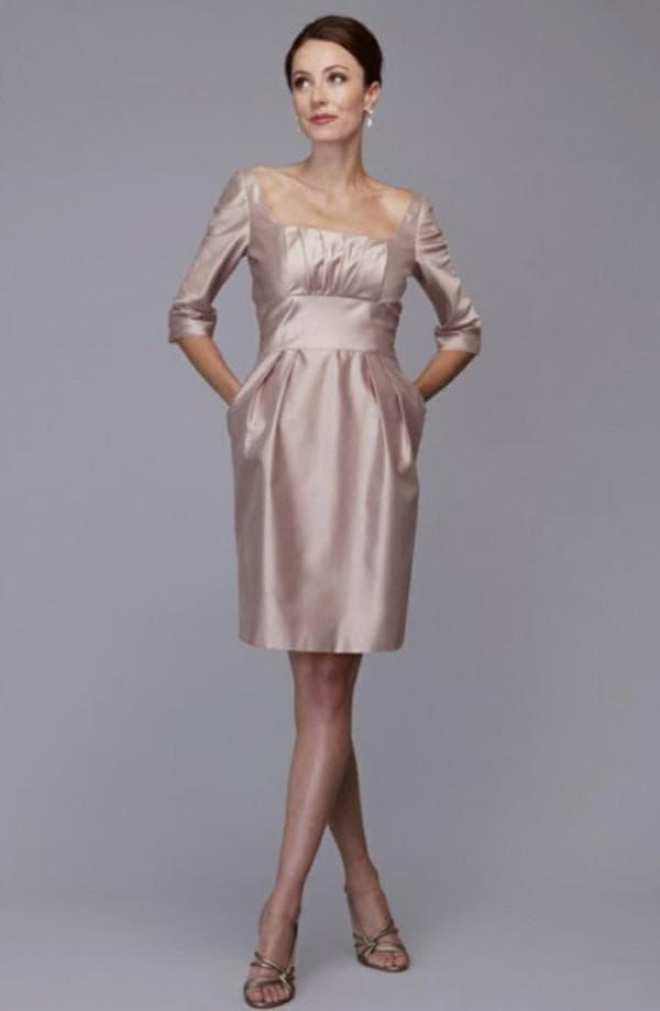 Платье до колен для женщины за 45