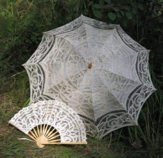 Зонтик и веер для образа невесты в прованском стиле