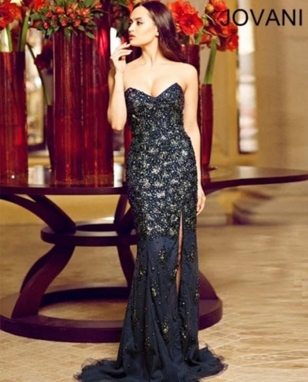 Стильное платье для женщин на свадьбу