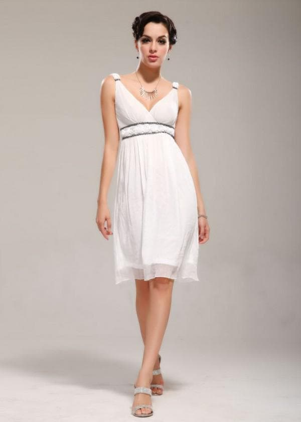 Греческое платье белого цвета до колен