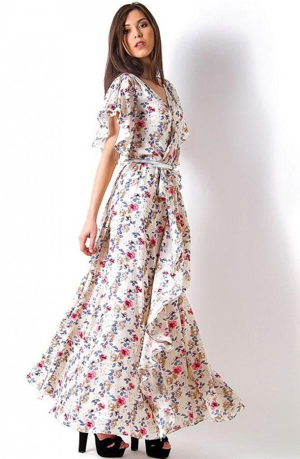 Модель женского платье для прогулок