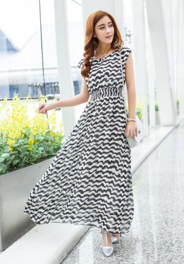 Легкое длинное платье с минирукавчиками