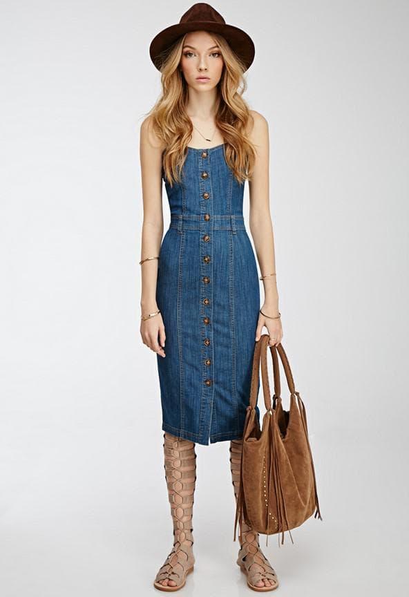 Образ с длинным джинсовым платьем