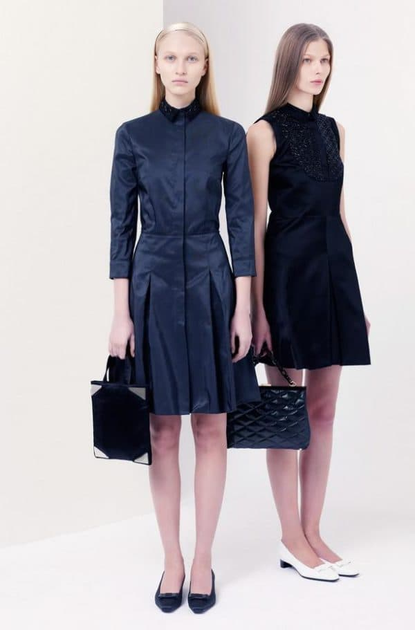 Модные платья и аксессуары для школьниц