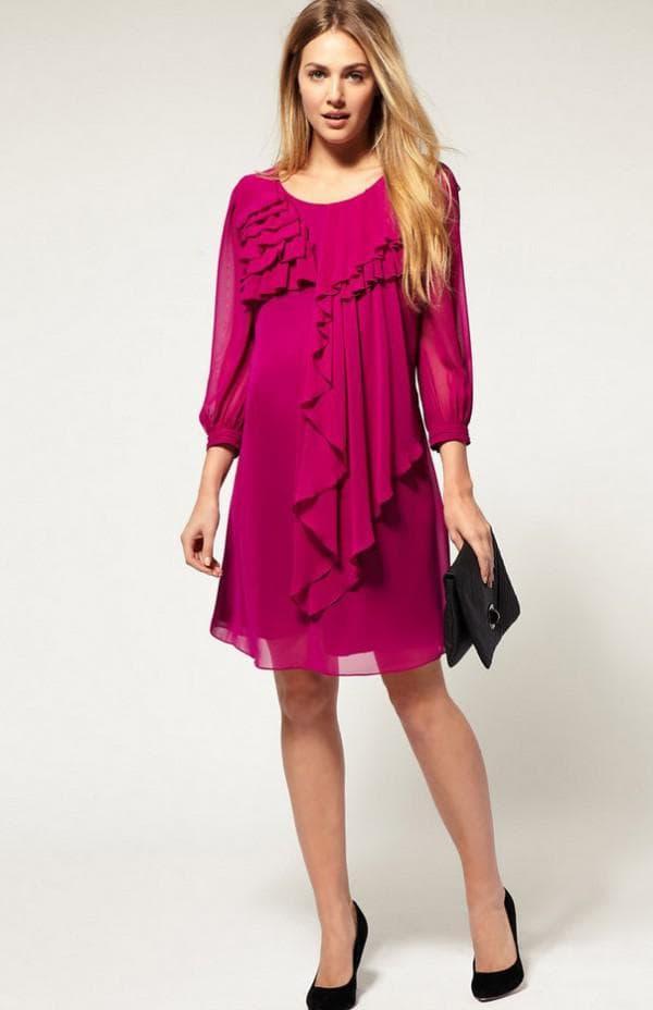 Яркое платье для девушки в интересном положении