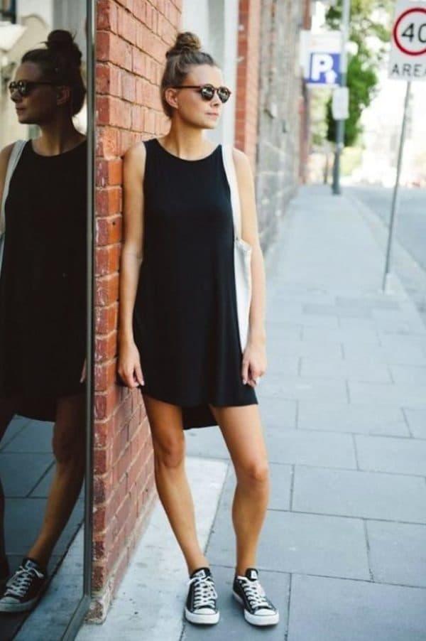 Кеды с платьем для повседневной носки