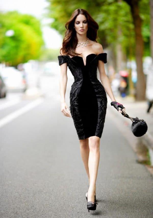 Черное бархатное платье на свадьбе