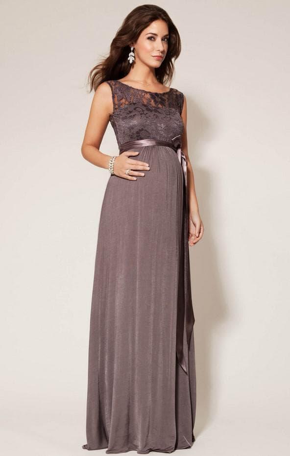 Длинное платье на вечер для беременой леди