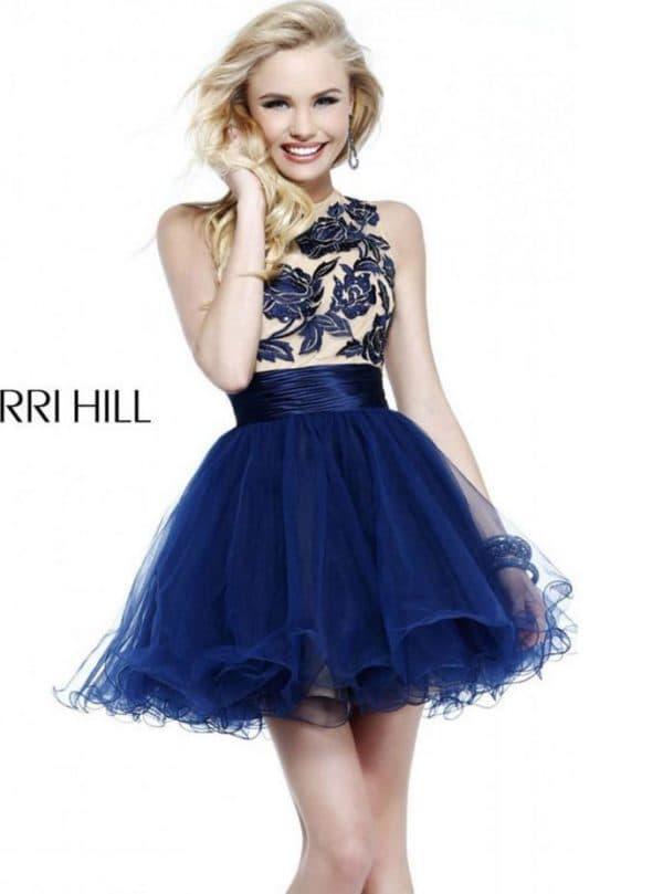 Короткое синее платье с пышной юбкой для выпускницы