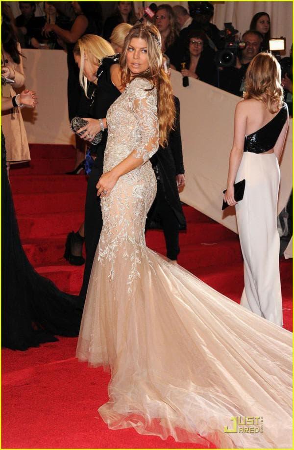 Cамое красивое свадебное платье в мире и самые дорогие подвенечные наряды знаменитостей