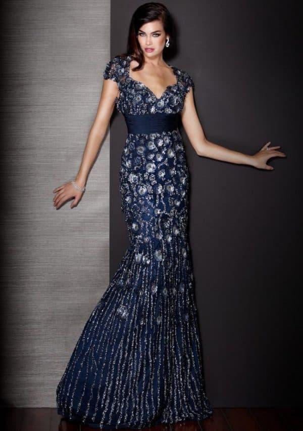 Синее платье в пол для торжества