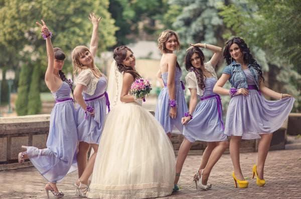 короткие платья для подруг на свадьбе