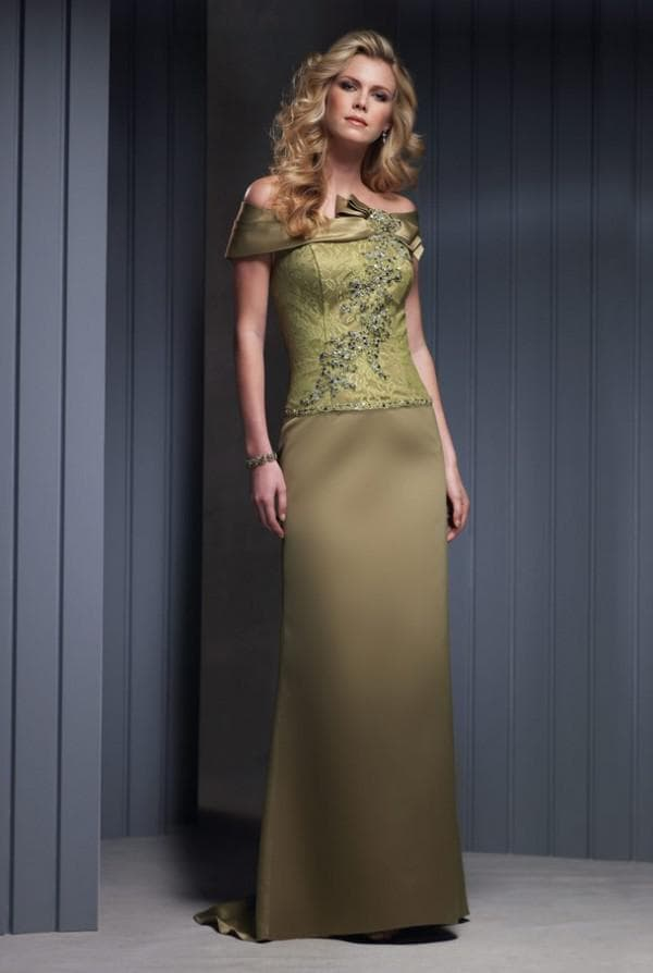 Платье зеленого цвета для мамы жениха