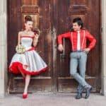 Страстный акцент или дань традиции: свадебное платье с красным поясом