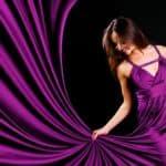 Символ роскоши — фиолетовое платье в пол