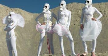 комичные свадебные платья