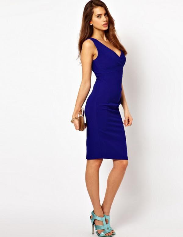 босоножки и платье синего цвета