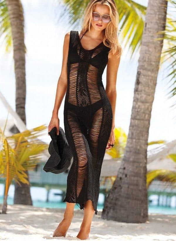 Черное платье для пляжа