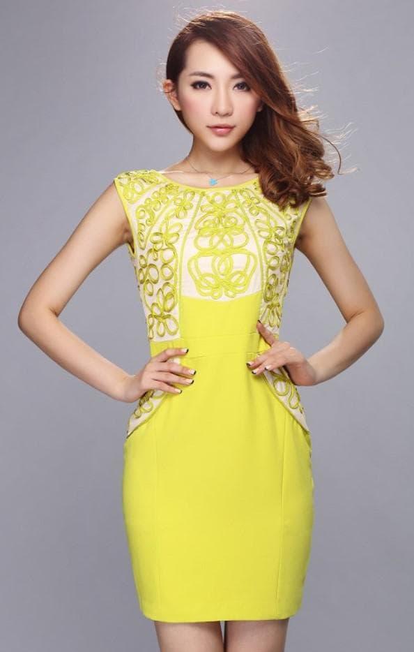 Желтое короткое платье футляр для подружки невесты