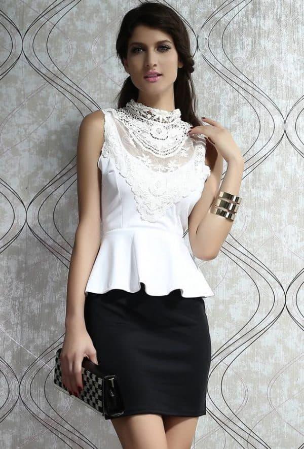 Черно белое платье с баской