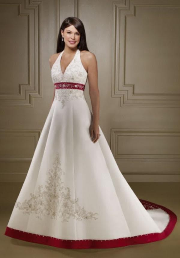 подол и талия свадебного платья красного цвета