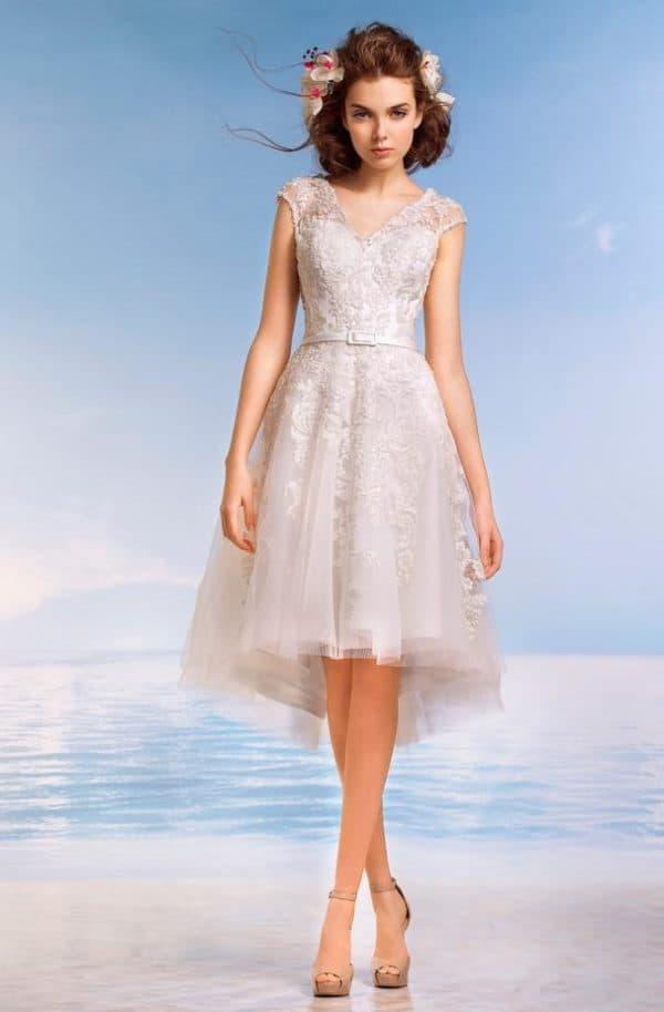 модное короткое кружевное свадебное платье