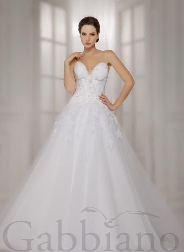белое свадебное платье принцесса