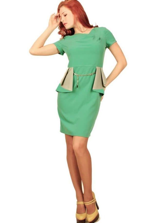 зеленое платье с баской с какими туфлями
