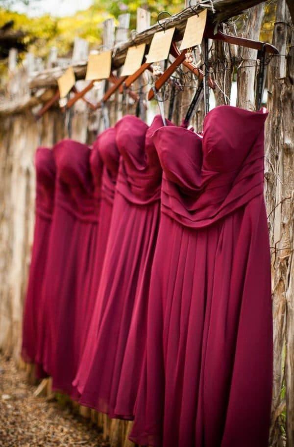 платья для подруг невесты винного цвета