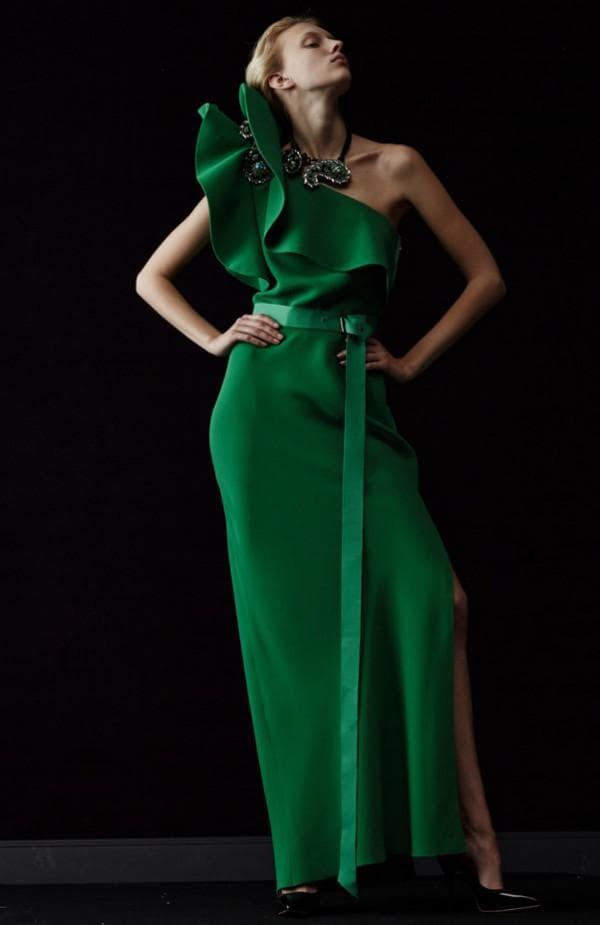 вечернее платье глубокого зеленого цвета