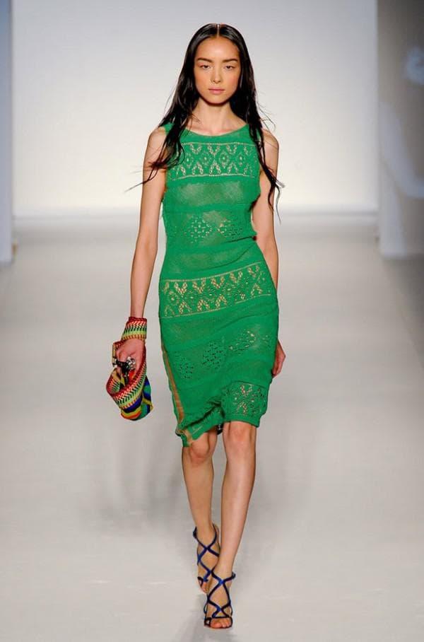 платье цвета свежей травы