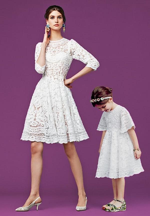одинаковые платья для мам и девочек от модного бренда