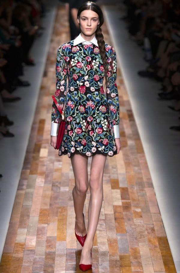 платье в цветок от Валентино