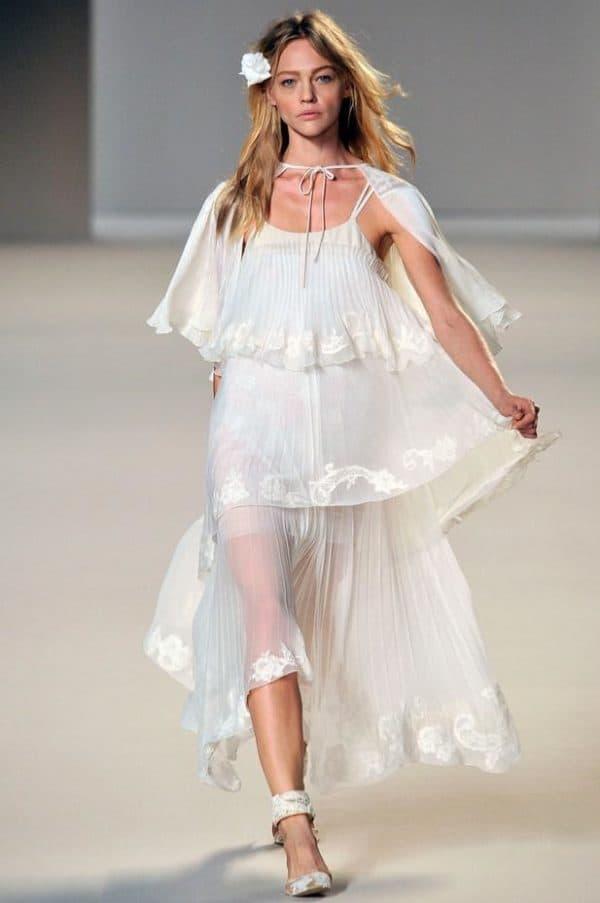 модное платье в стиле барышня крестьянка