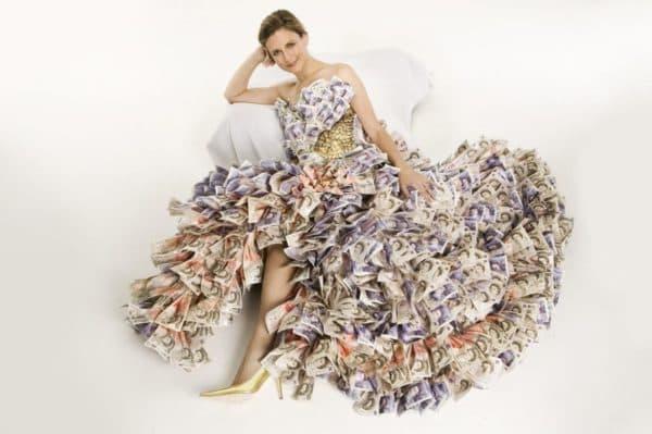 платье из бумажных купюр