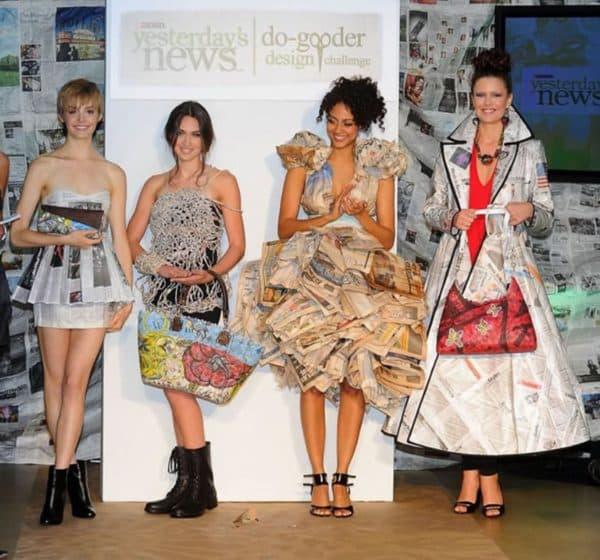 платья из газетных листов