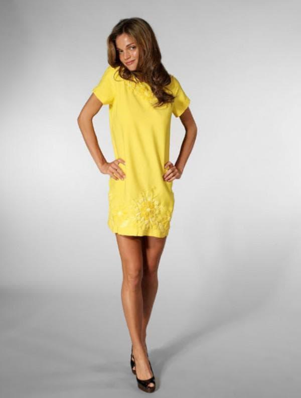 желтое повседневное платье
