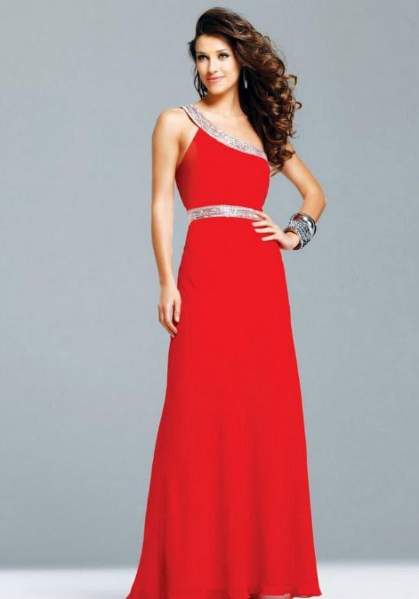 красное платье в пол для посещения свадьбы