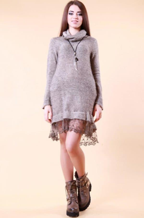 теплое платье дополненное кружевом