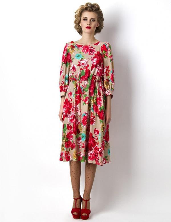 платье в цветочек в ретро стиле