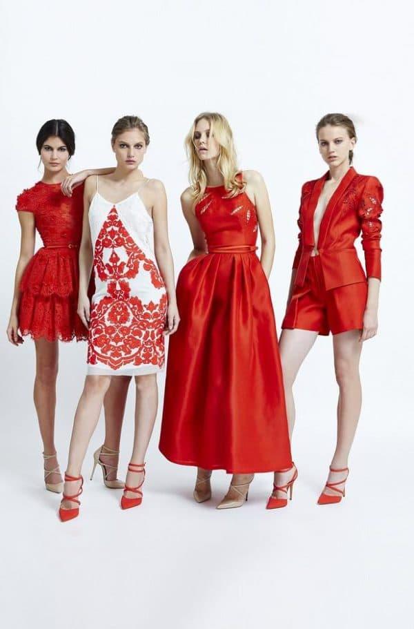 красные платья для встречи Нового года