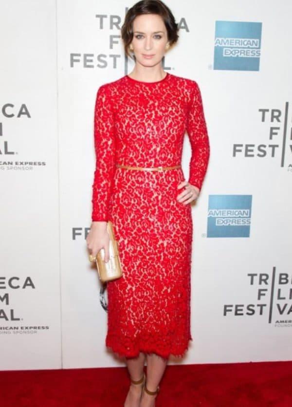 кружевное платье для женщины после 40